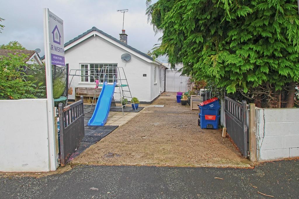 4 Bedrooms Detached Bungalow for sale in Nant Y Felin, Pentraeth, North Wales