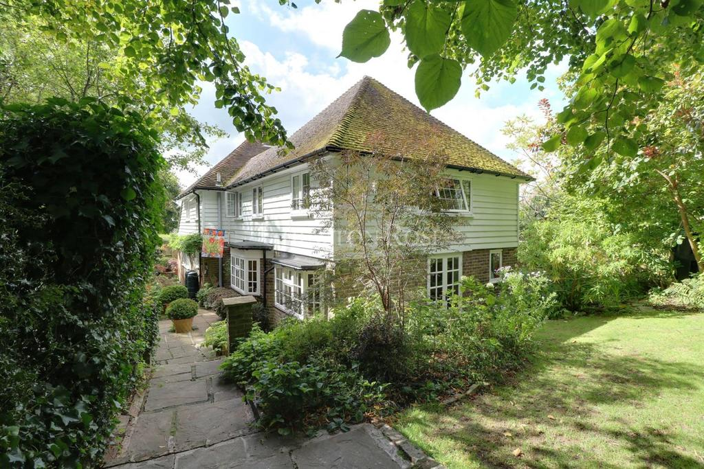 4 Bedrooms Detached House for sale in Mayfield, East Sussex. TN20