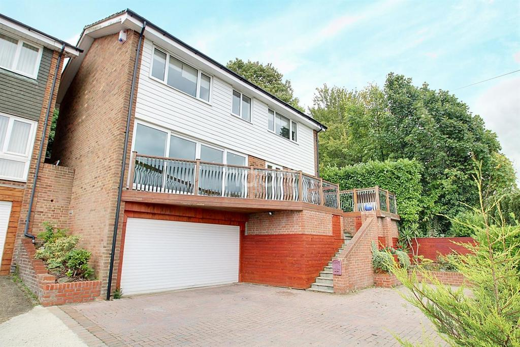 4 Bedrooms Detached House for sale in Sunningvale Avenue, Biggin Hill