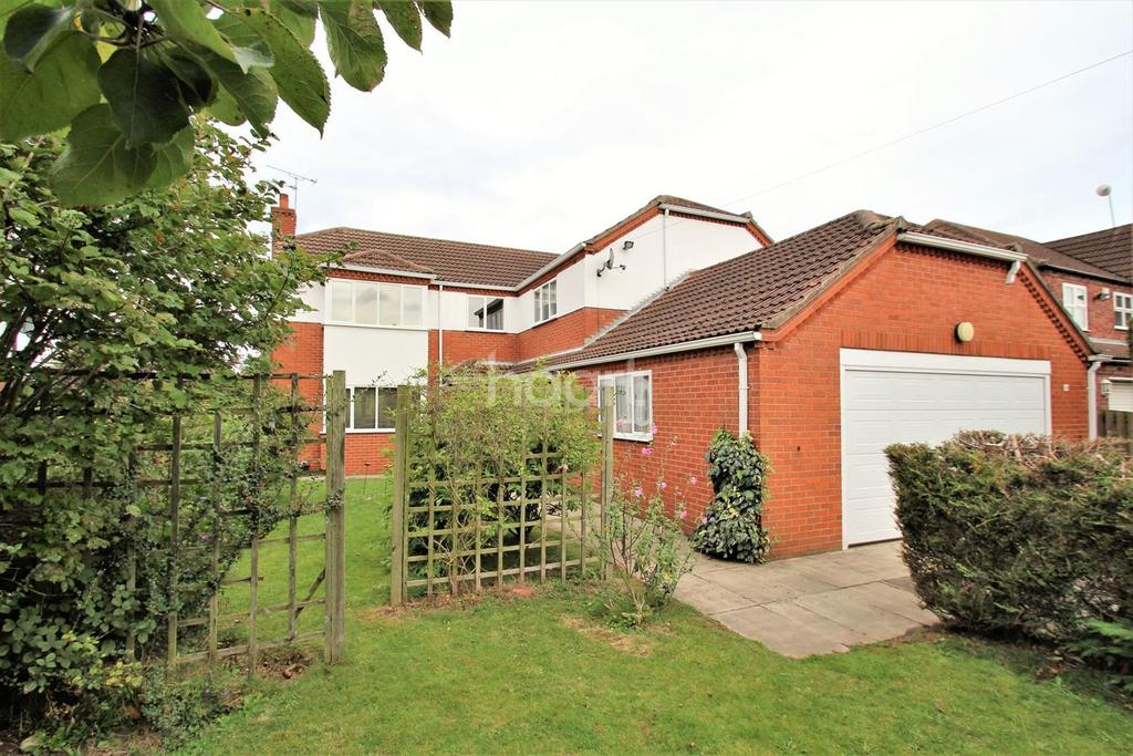 4 Bedrooms Detached House for sale in Sandtoft Road, Belton, Doncaster