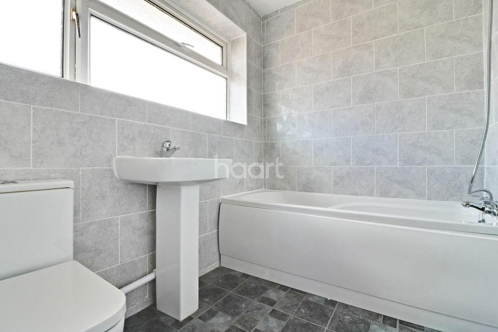 3 Bedrooms End Of Terrace House for sale in Manton Street, Swindon, Wiltshire