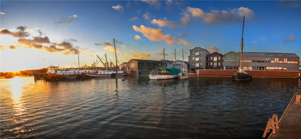 2 Bedrooms Flat for sale in Apartment 3 Deben Wharf, Quayside, Woodbridge, Suffolk, IP12