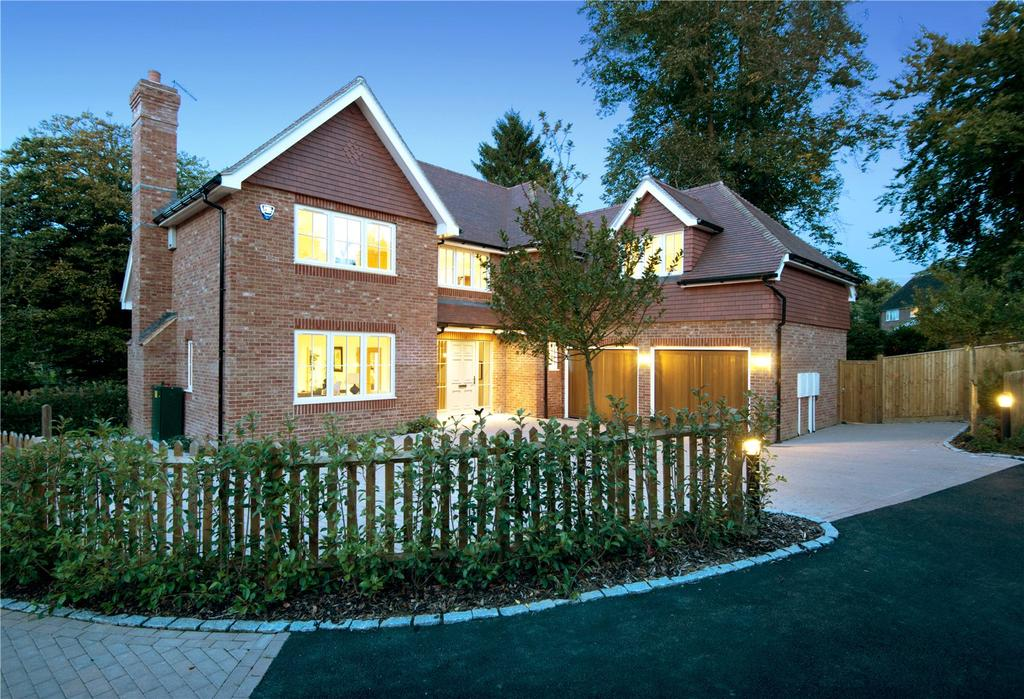 5 Bedrooms Detached House for sale in High Street, Chipstead, Sevenoaks, Kent, TN13