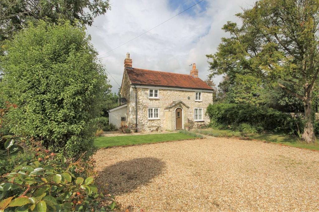 2 Bedrooms Cottage House for sale in Brighstone, Isle of Wight