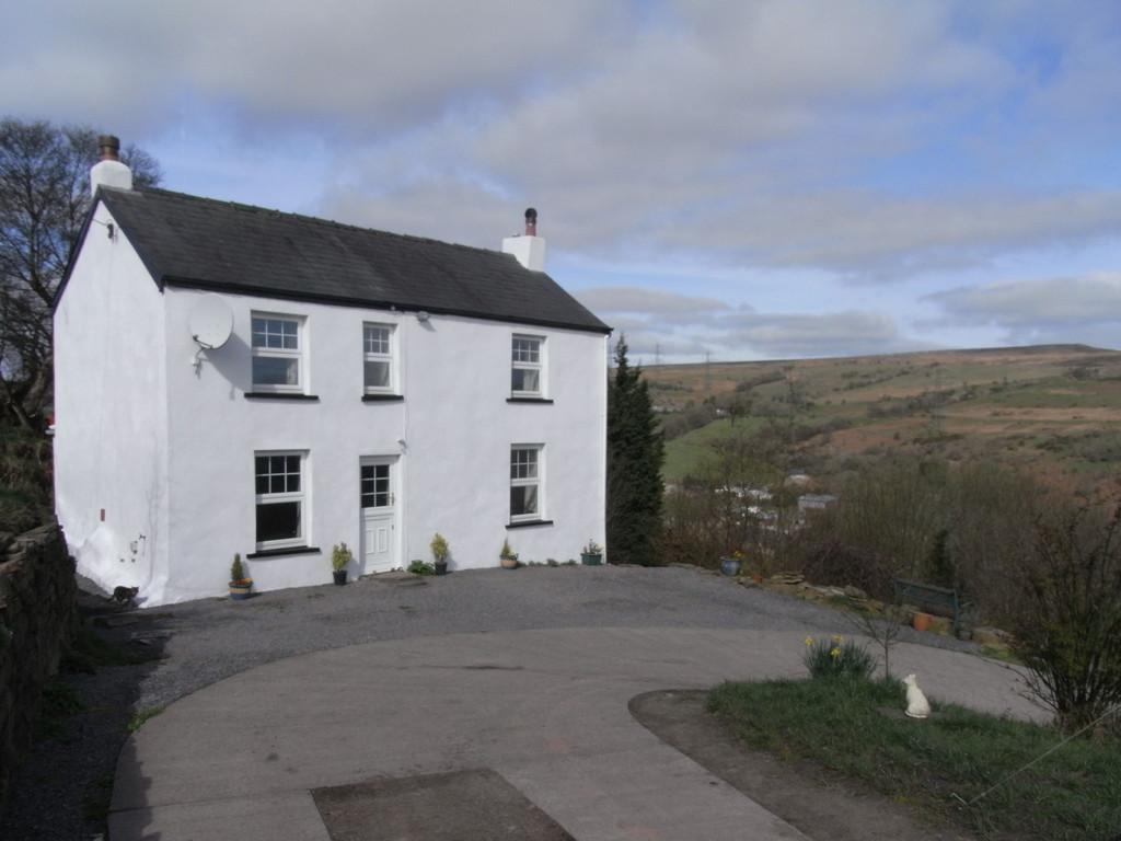 3 Bedrooms Cottage House for sale in Upper Cwm Nant Gam, Llanelly Hill