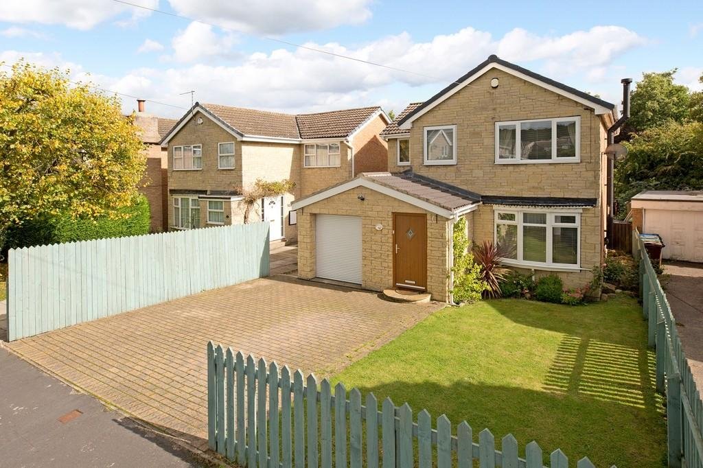 4 Bedrooms Detached House for sale in Greenfields Way, Burley In Wharfedale
