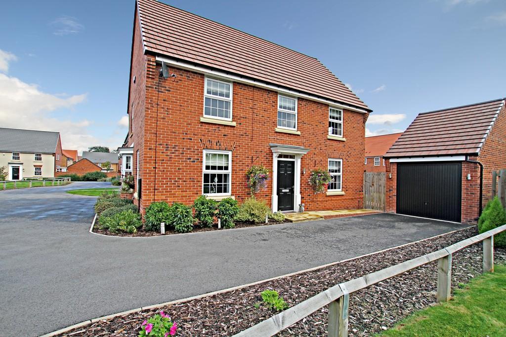 4 Bedrooms Detached House for sale in Hillcrest Drive, Branton, Doncaster