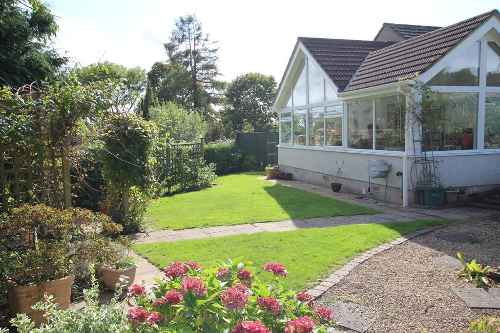 2 Bedrooms Detached Bungalow for sale in Idyllic southerly views over the chimney pots of Wrington Village