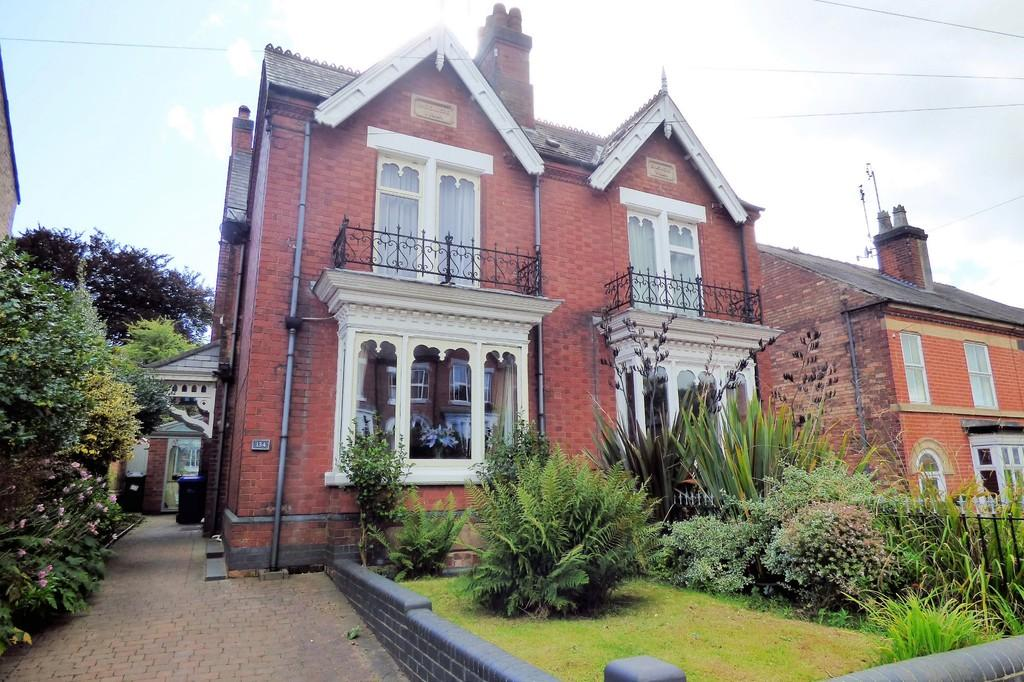4 Bedrooms House for sale in Scalpcliffe Road, Burton-on-Trent