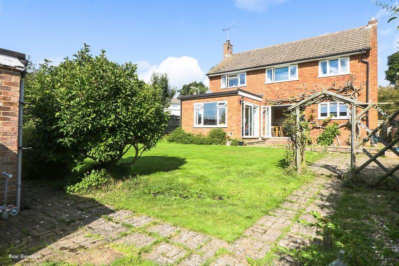 4 Bedrooms Detached House for sale in Forest Way, Tunbridge Wells