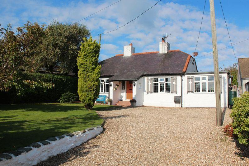 4 Bedrooms Detached Bungalow for sale in Gorad Road, Holyhead
