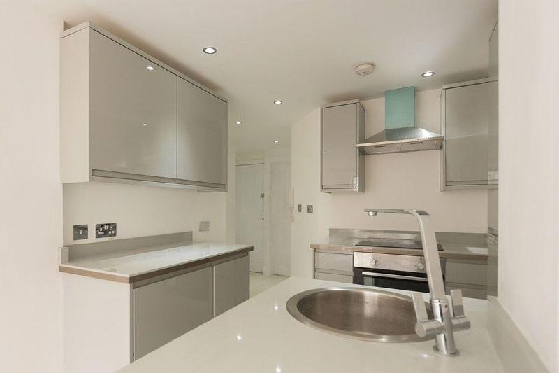 1 Bedroom Apartment Flat for sale in Lincoln Street, Cardiff