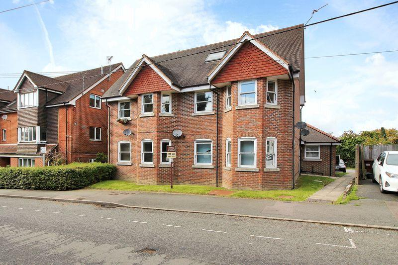 1 Bedroom Apartment Flat for sale in High Street, Buxted, East Sussex