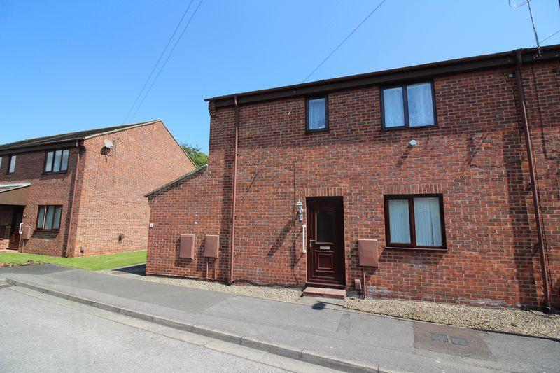 2 Bedrooms Apartment Flat for sale in Meadow Close, Guisborough
