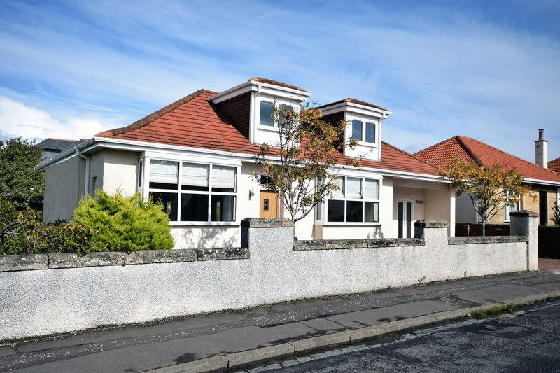 5 Bedrooms Detached Bungalow for sale in 24 Seafield Crescent, Ayr KA7 4AR