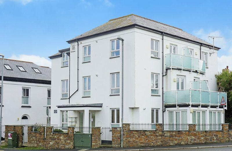 2 Bedrooms Apartment Flat for sale in The Strand, Bude