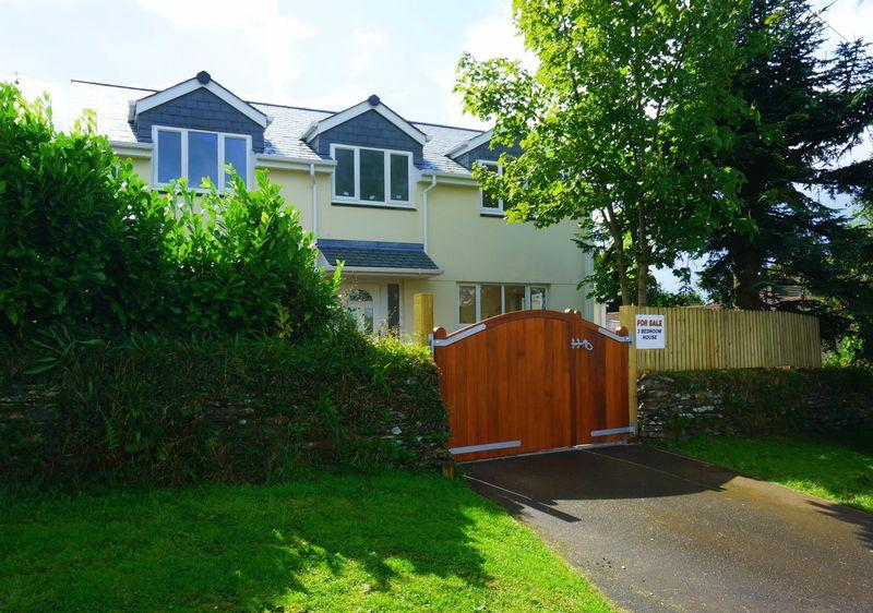 3 Bedrooms Detached House for sale in , Callington