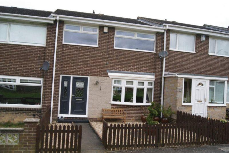 3 Bedrooms House for sale in Culloden Walk, Highfields, Killingworth, Newcastle Upon Tyne