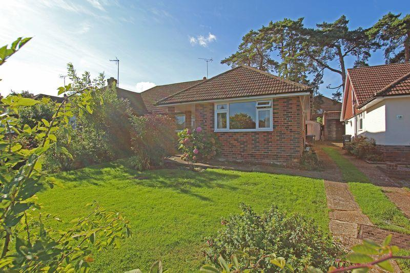 2 Bedrooms Bungalow for sale in Farm Close, Hassocks
