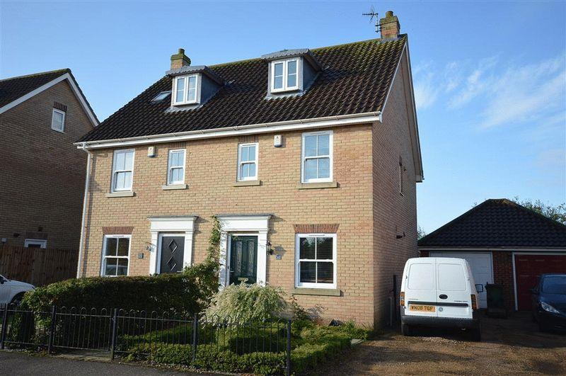 3 Bedrooms Semi Detached House for sale in Griston Road Watton