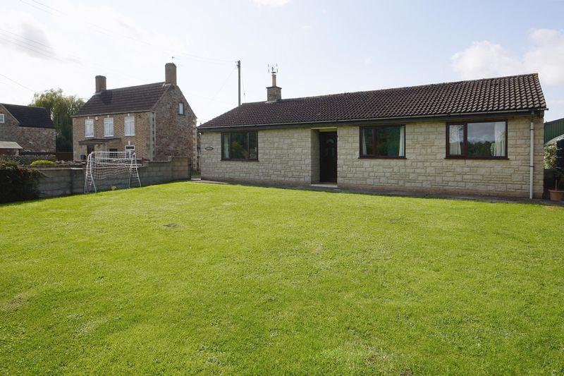 3 Bedrooms Detached Bungalow for sale in Woodford,Nr Berkeley