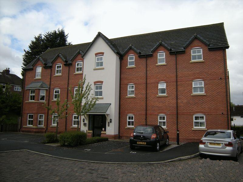 2 Bedrooms Apartment Flat for sale in Cooper Court, Hazel Grove, Stockport