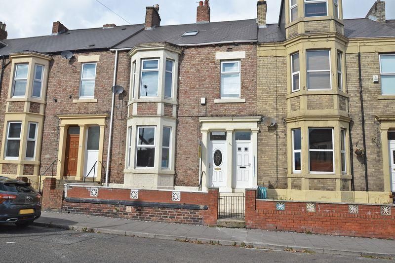 Waterville road north shields 2 bed apartment for sale for Front door north tyneside
