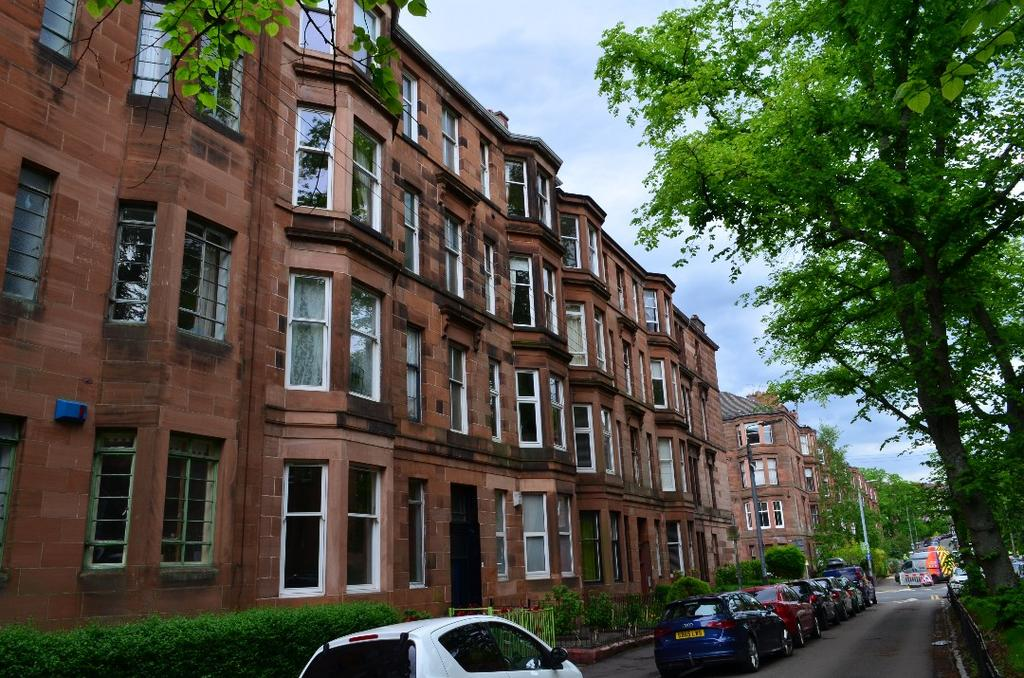 1 Bedroom Flat for sale in Dudley Drive, Flat 1/2, Hyndland, Glasgow, G12 9SF