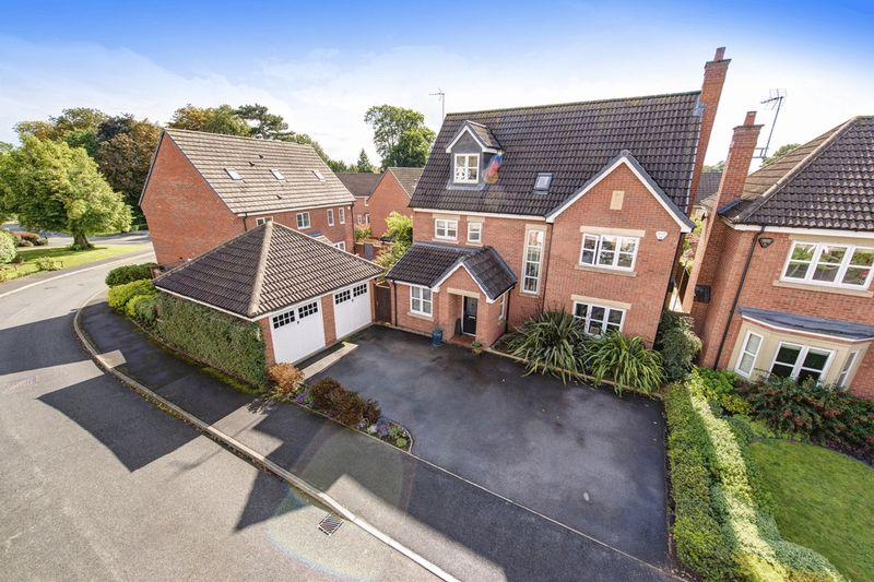 5 Bedrooms Detached House for sale in Highfields Park Drive, Darley Abbey