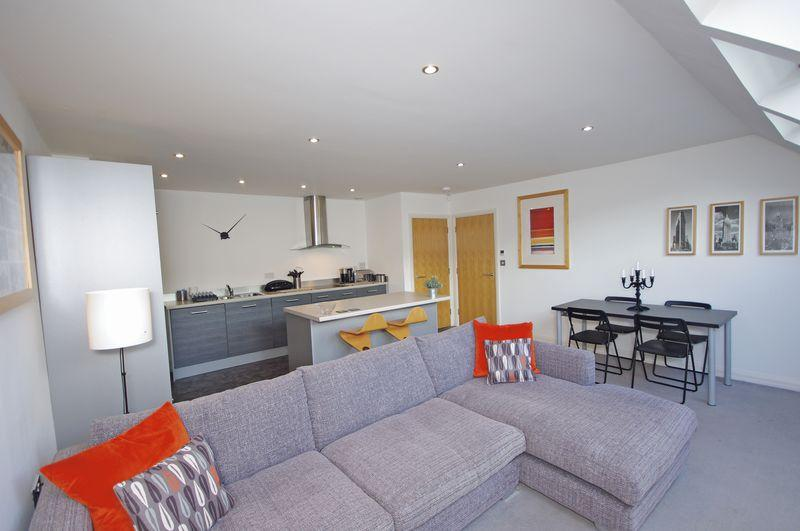 1 Bedroom Apartment Flat for sale in 23 Riverview, Oldham Road, Ripponden, HX6 4BL