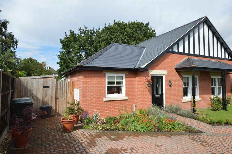 2 Bedrooms Semi Detached Bungalow for sale in 1 Bennett's Mill Court, Woodhall Spa