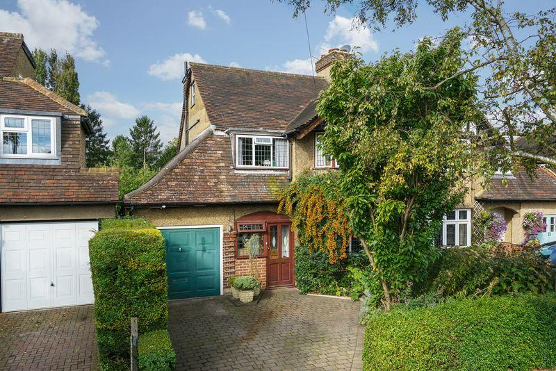 4 Bedrooms Semi Detached House for sale in Beechwood Avenue, St Albans