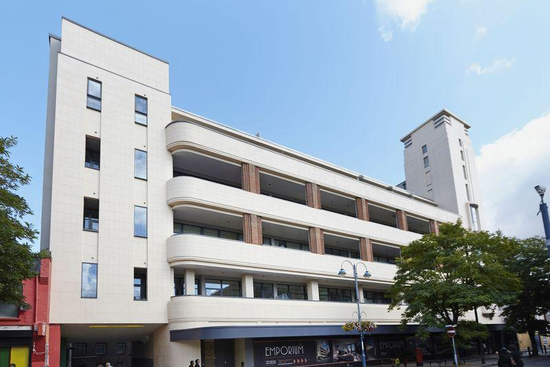 2 Bedrooms Apartment Flat for sale in Powis Street, Woolwich