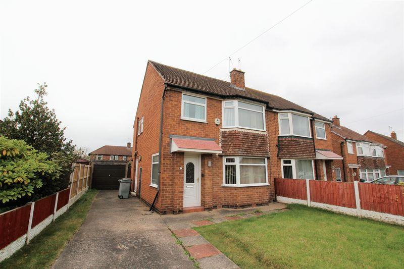 3 Bedrooms Semi Detached House for sale in Ridgewood Drive, Wirral