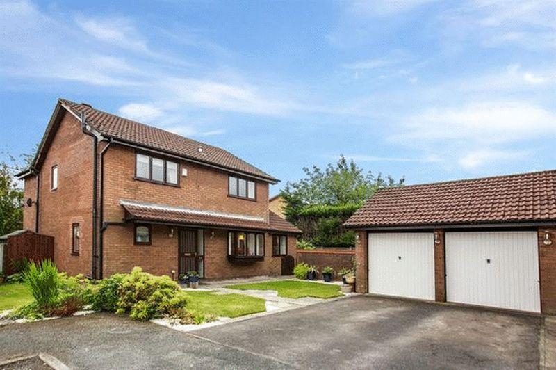 5 Bedrooms Detached House for sale in Brookfield Drive, Littleborough
