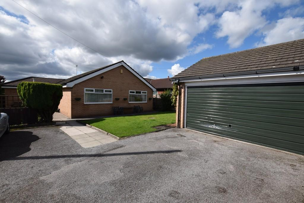 3 Bedrooms Detached Bungalow for sale in Church Road, Rainford, St. Helens