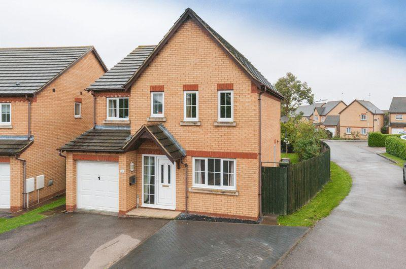 4 Bedrooms Detached House for sale in Mill Fields, Higham Ferrers