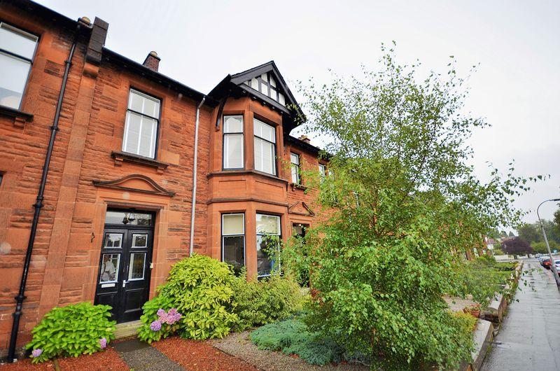 3 Bedrooms Apartment Flat for sale in 12 De Walden Terrace , Kilmarnock KA3 7AY