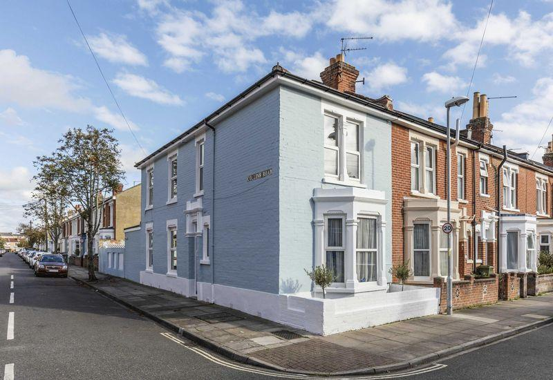 3 Bedrooms End Of Terrace House for sale in Kimberley Road, Southsea