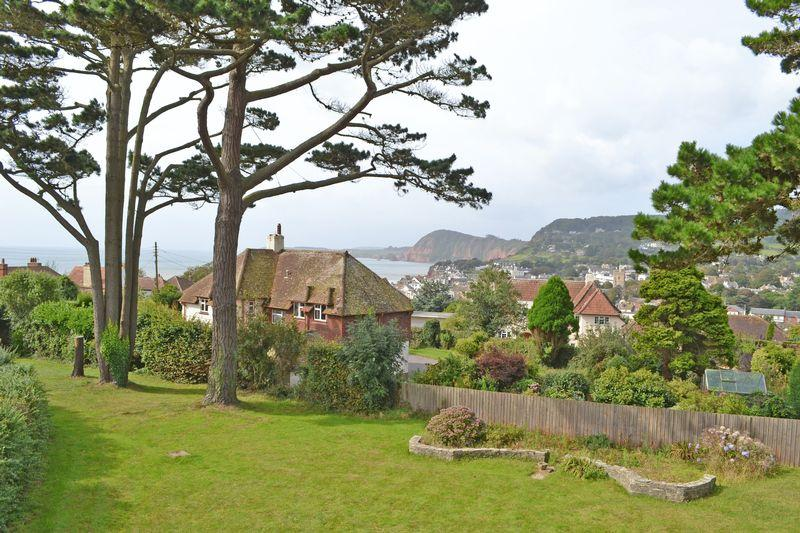 3 Bedrooms Detached Bungalow for sale in Southway, Sidmouth