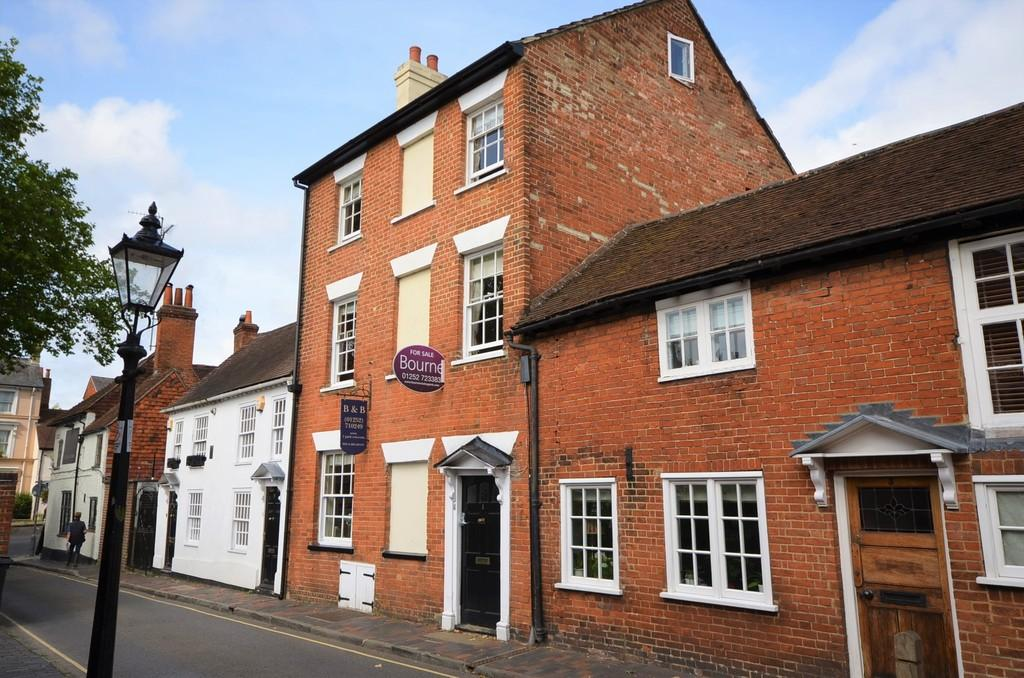 5 Bedrooms Terraced House for sale in Park Row, Farnham