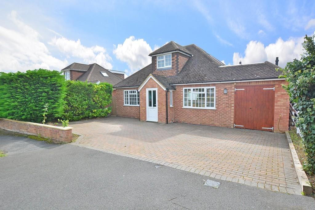 4 Bedrooms Detached House for sale in Culls Road, Normandy