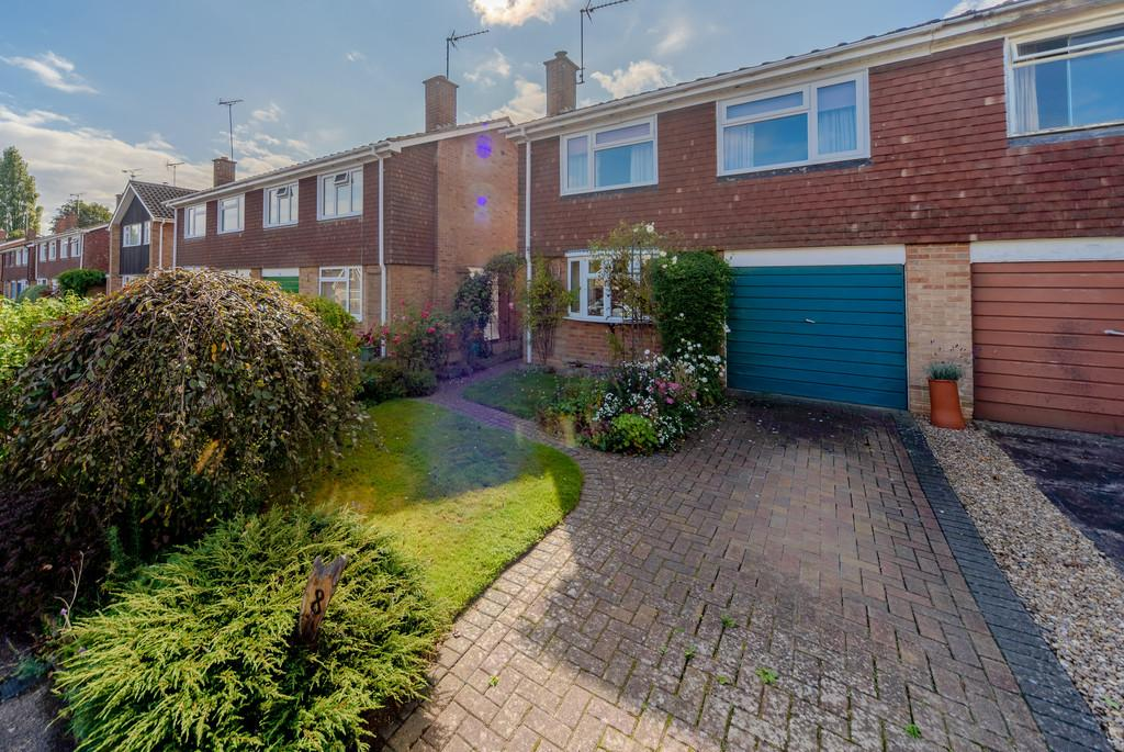 3 Bedrooms Semi Detached House for sale in Ravensdale Avenue, Leamington Spa