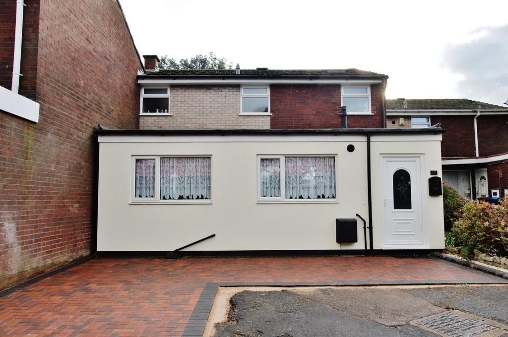 3 Bedrooms Terraced House for sale in Bloomfield Way, Tamworth