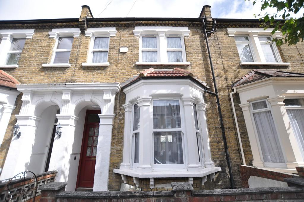 3 Bedrooms Terraced House for sale in Bolton Road, Stratford