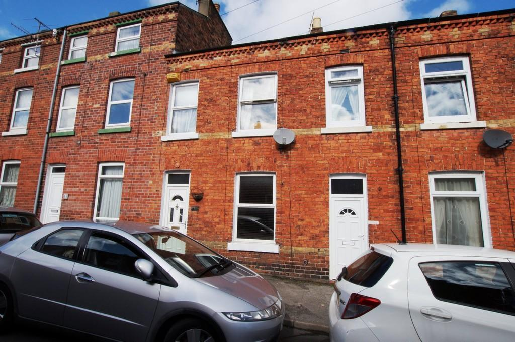 3 Bedrooms Terraced House for sale in Hampton Road, Scarborough