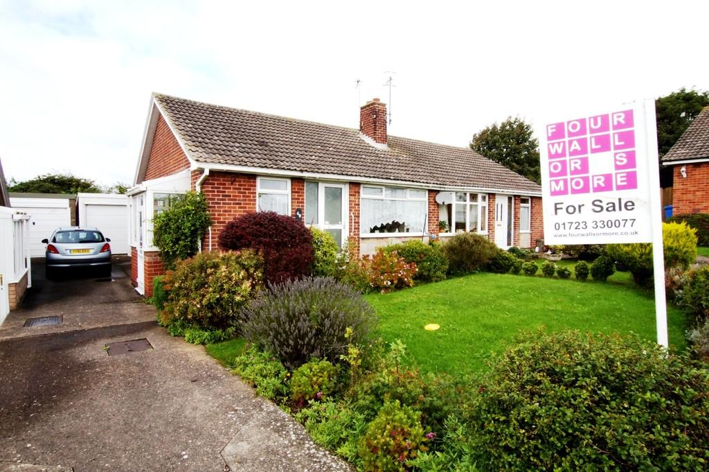 2 Bedrooms Semi Detached Bungalow for sale in Osgodby Hall Road, Scarborough
