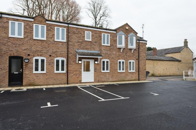 1 Bedroom Apartment Flat for sale in Russell Court, Kidlington, Oxfordshire