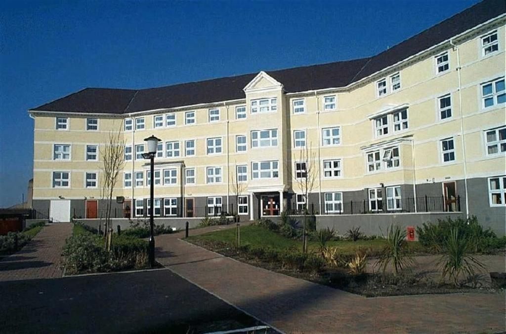 2 Bedrooms Retirement Property for sale in Clarence Road, Craig Y Don, Llandudno, Conwy