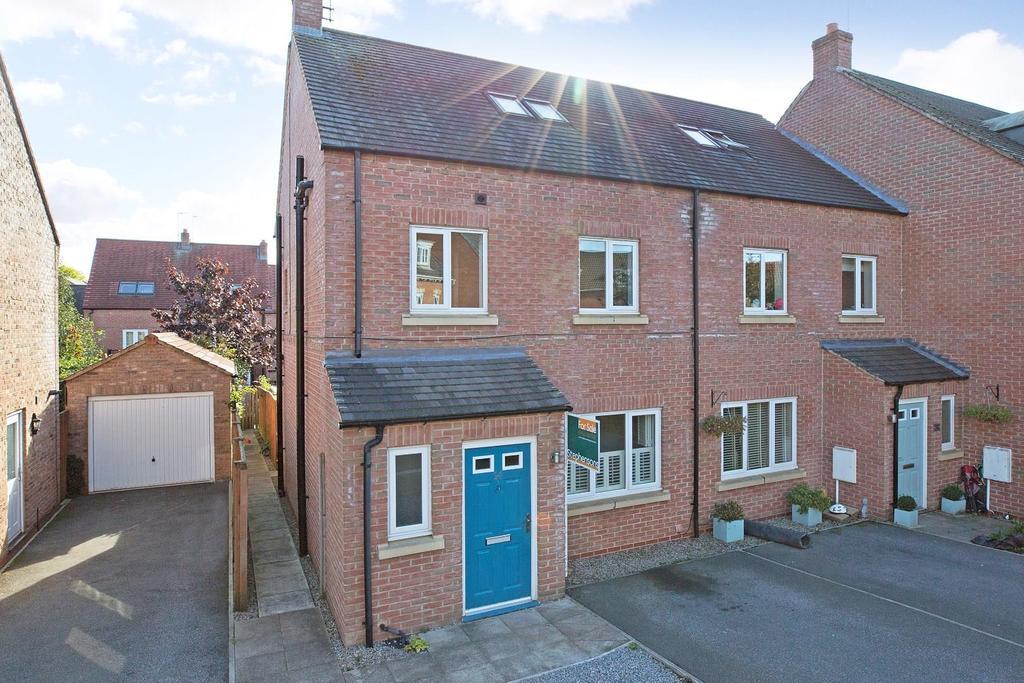 4 Bedrooms House for sale in Florin Drive, Knaresborough